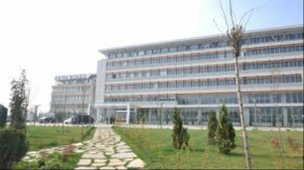 İzmir Özel Tevfik Fikret Fransız Lisesi