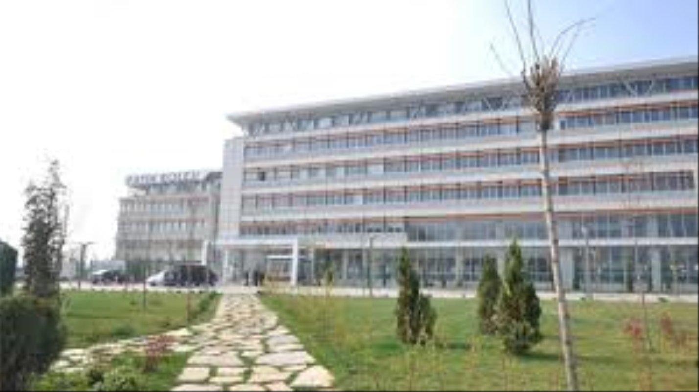 İzmir Tevfik Fikret Fransız Lisesi 2019-2020 Taban Puanı, Kontenjan Bilgisi ve Öğrenim Ücreti